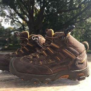 Toddler Keens Hiking Shoes